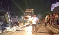 Xe khách đâm xe máy trong đêm, 3 người tử vong tại chỗ