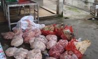 Bắt xe khách chở thịt heo thối bỏ mối quán ăn ở Sài Gòn