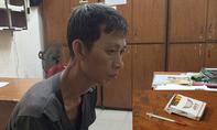 Gã nghiện dùng kim tiêm xin đểu người dân ở TP.HCM