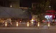 Container đâm sập hai nhà dân ở Sài Gòn lúc rạng sáng