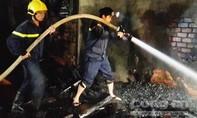 Cháy xưởng gỗ, ước tính thiệt hại hơn 100 triệu đồng