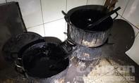 Đột kích cơ sở chế biến cà phê bằng đậu nành và hoá chất mua ở chợ Kim Biên