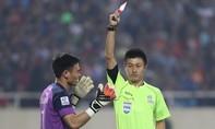 Nguyên Mạnh bị phạt 1.000USD vì pha bóng xấu xí tại AFF Cup