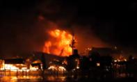 Cháy lớn lúc nửa đêm, hơn 40 ngôi nhà bị thiêu rụi