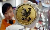 Giá vàng hôm nay 23-1: Trump nắm quyền, vàng tăng giá