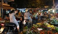 Đi chợ đêm 29 Tết ở Sài Gòn
