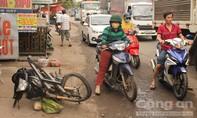 Xe tải tông xe máy, một người bị thương