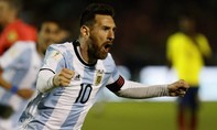 Messi lập hat-trick giúp Argentina lách khe cửa hẹp dự World Cup