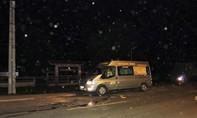 Va chạm xe ngã ra đường bị xe khách tông tử vong