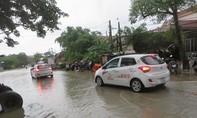 Thêm một tuyến quốc lộ huyết mạch bị chia cắt vì mưa lũ