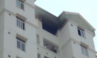 Cháy chung cư 12 tầng, người dân hốt hoảng rời căn hộ