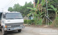 Người dân lắp 'rào chắn' trên đường Đinh Quang Ân