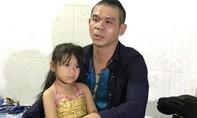 Nghệ sĩ công năng hơn 200 lần nhập viện, thà chết để con gái được đi học