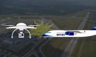 Flycam va chạm với máy bay chở khách tại sân bay Canada