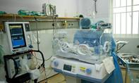 TP.HCM: Bác sĩ bệnh viện quận Thủ Đức cứu kịp thời em bé suýt bị đẻ rơi trên đường