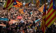 Tây Ban Nha giải tán nghị viện xứ Catalan sau tuyên bố độc lập