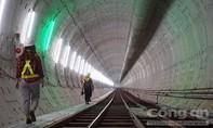 Máy khoan hầm 300 tấn hoàn thành 781m hầm phía Đông