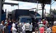 Tài xế dùng tiền lẻ mua vé gây hỗn loạn tại trạm BOT tuyến tránh Biên Hòa