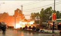 Sét đánh trúng đường điện cao thế, nhiều khu dân cư mất điện