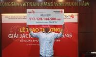 Khách hàng Đồng Nai đeo mặt nạ nhận 112 tỷ đồng