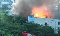 Cháy, nổ lớn tại căn nhà chứa nhiều bình gas ở TP.HCM