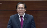 Bộ trưởng Bộ TT-TT Trương Minh Tuấn trả lời chất vấn