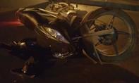 Truy tìm ô tô tông hai sinh viên chấn thương nặng rồi bỏ chạy