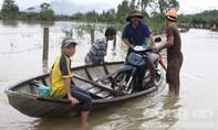 Nhiều vùng ở Huế, Quảng Nam ngập nặng, chia cắt do mua lũ