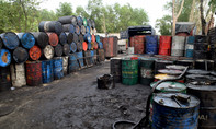Cơ sở sản xuất dầu nhớt tái chế xả thải trực tiếp ra môi trường