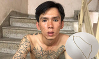 Trinh sát bắt tên cướp giật dây chuyền người nước ngoài