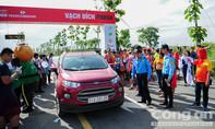 UBATGTQG đề nghị Công an TP.HCM xử lý ô tô chạy vào đường đua marathon