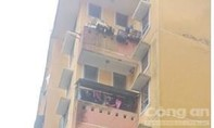Một bé 4 tuổi rơi từ tầng 3 xuống đất tử vong