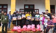 Từ thiện Tự Lập TP.HCM hỗ trợ bà con miền Trung 500 phần quà