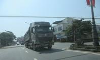Cung đường chịu tải trọng 15 tấn 'oằn mình' gánh xe gần trăm tấn đi qua