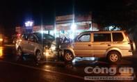Hai xe ô tô đối đầu, 3 người thương vong