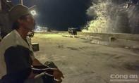 Ninh Thuận: Người dân ven biển trắng đêm đón bão số 12