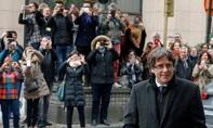 Cựu thủ hiến xứ Catalan tự nộp mình cho cảnh sát