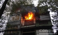 Cháy dữ dội tại ngôi nhà bán phụ tùng ô tô