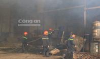 Cháy nhà xưởng lúc sáng sớm, 2 công nhân tử vong