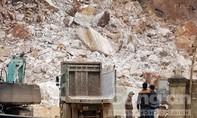Lở mỏ đá đang khai thác, 1 người chết, 3 người nguy kịch