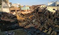Hơn 200 lính cứu hỏa xuyên đêm dập lửa tại cơ sở mút xốp