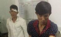 Cảnh sát phản ứng nhanh bắt 2 đối tượng thủ dao đi mua ma tuý