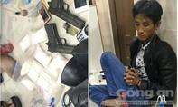 TP.HCM: Đôi nam nữ thủ 2 khẩu súng đi buôn ma túy