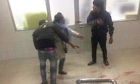 Người đàn ông bị đâm gục trong bệnh viện