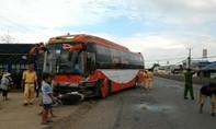 Xe khách gây tai nạn liên hoàn, 5 xe hư hỏng, 2 người bị thương