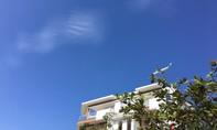 Sài Gòn trời quang mây tạnh, nắng chói chang trước ngày bão vào đất liền