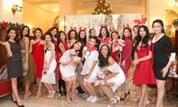 Người đẹp Hoa hậu Hoàn vũ lộng lẫy đón Giáng sinh