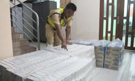 CSGT truy đuổi 3 km bắt ôtô chở 7.000 gói thuốc lá lậu