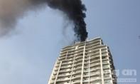 Cháy tầng 23 chung cư, nhiều người sơ tán