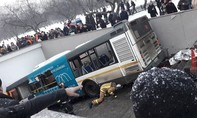 Xe buýt lao xuống hầm bộ hành ở Moscow, ít nhất 5 người chết